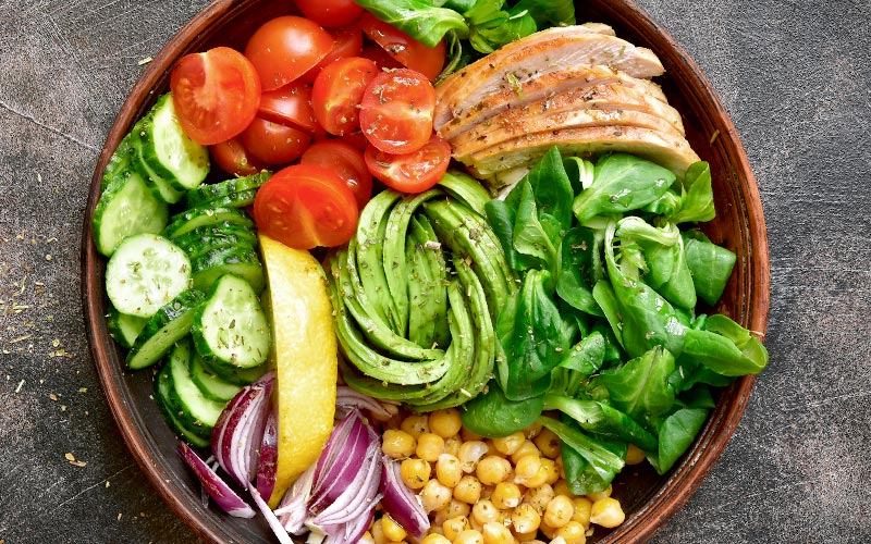 What to eat after a workout: mixed salad with protein is perfect for weight loss
