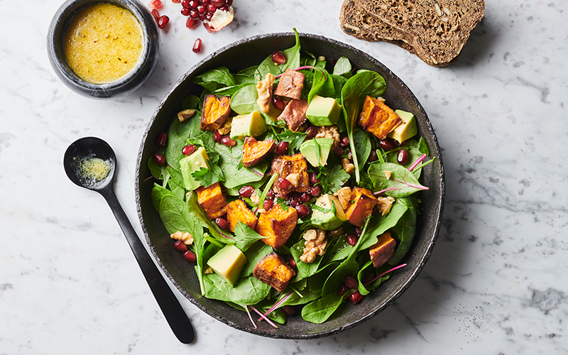 Salad with sweet potatoes to keep insulin levels steady